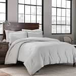 GARMENT WASHED SOLID FULL/QUEEN COMFORTER SET IN WHITE